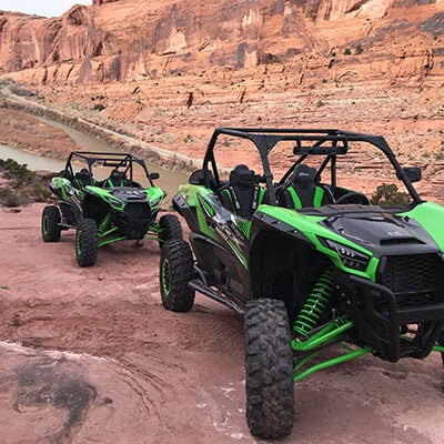 Two 4x4s traverse Moab National Park